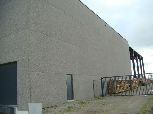 Hall industriel dans le zoning des Plenesses